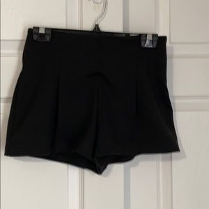 FREE PEOPLE BLACK SHORTS